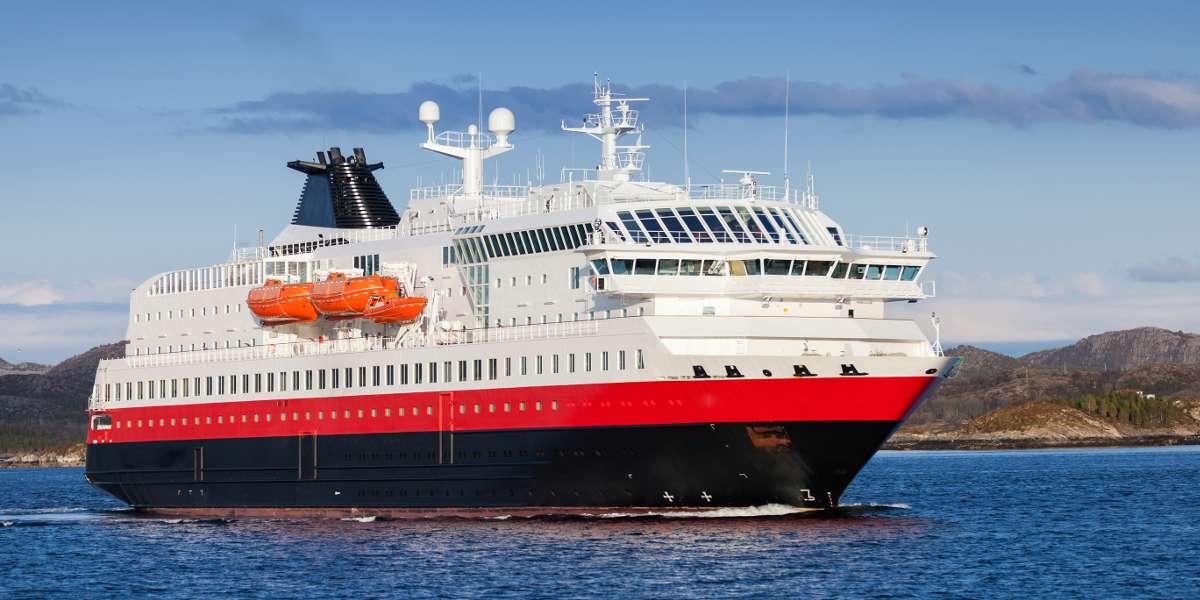 https://cruiseportofboston.com/wp-content/uploads/2016/06/Norwegian-passenger-cruise-1200x600-redu.jpg